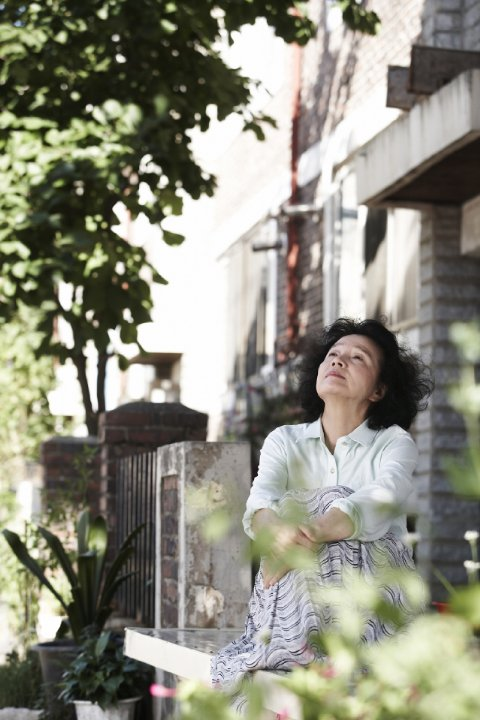 Jeong-hie Yun's Mija in Chang-dong Lee's Poetry (Shi, 2010)